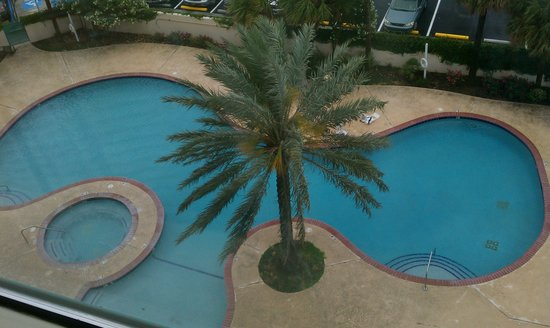 Westlake, LA: View of pool and jucuzzi from our 6th floor Jr. Suite